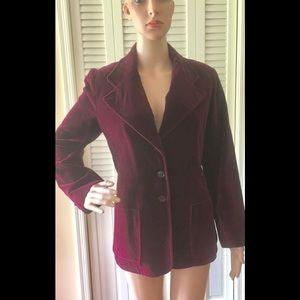 RARE FIND!❤️Fabulous 1970's Velvet Jacket!❤️ MINT!